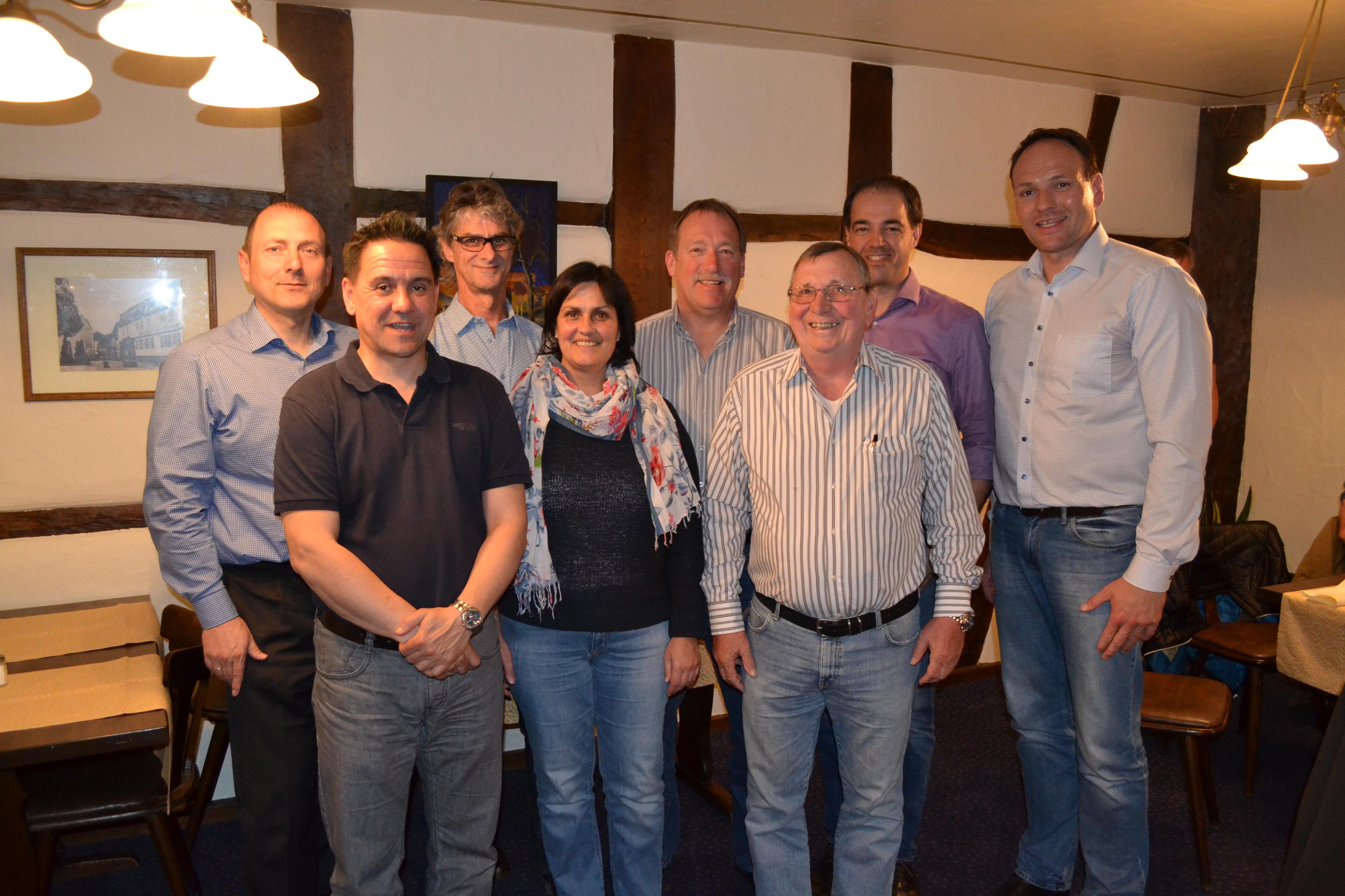 Der neu gewählte Vorstand der Freien Wähler Babenhausen mit FWB-Fraktionschef Oliver Bludau.